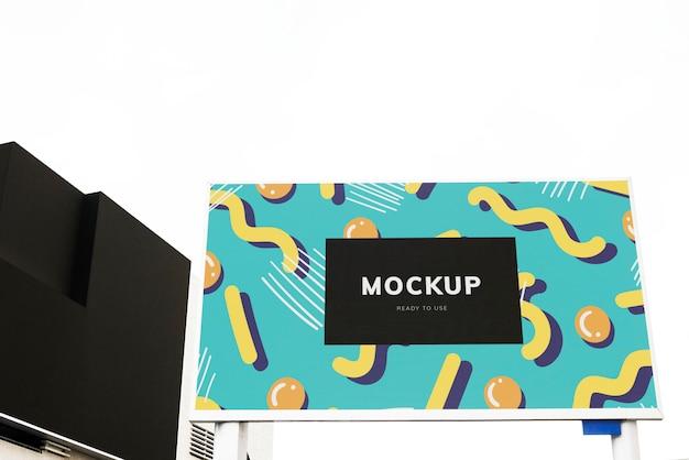 Kleurrijke billboard mockup ontwerp