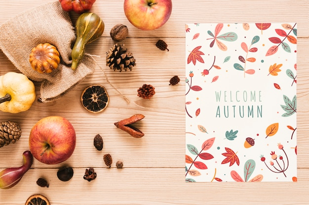 Kleurrijke blocnote met welkome herfstcitaat
