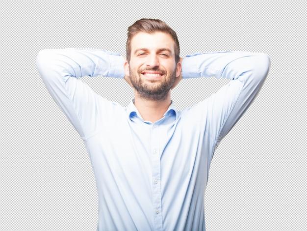 Knappe jongeman in tevreden pose