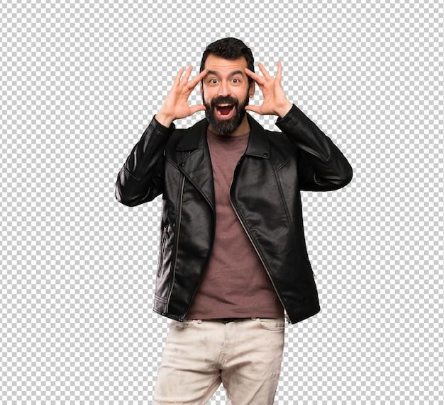 Knappe man met baard met verrassing expressie