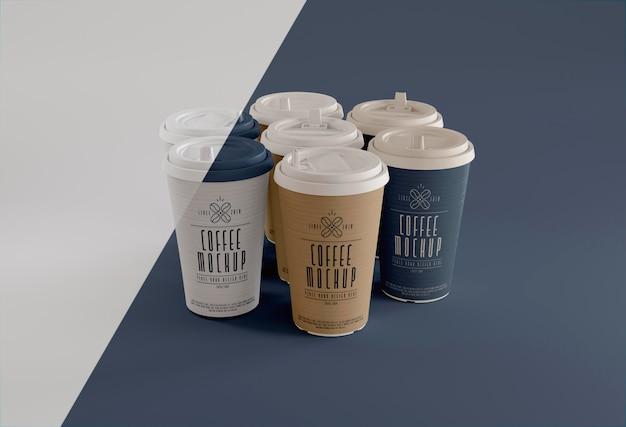 Koffie branding met kopjes hoge hoek Gratis Psd