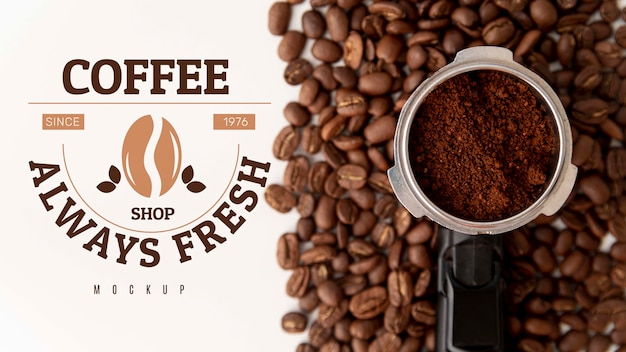Koffiebonen en poeder