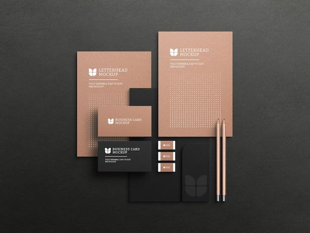 Kraftpapier briefpapier met visitekaartje mockup