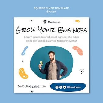 Laat je zakelijke vierkante flyer groeien