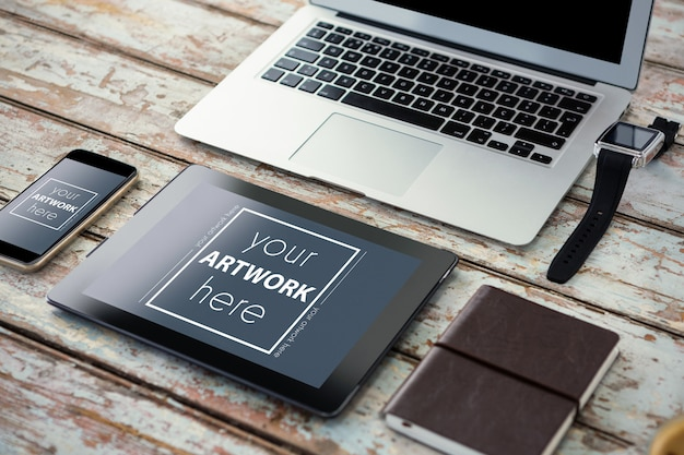 Laptop con smartwatch, smartphone, tablet digitale e organizer