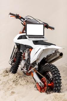 Laptop op een motorfiets