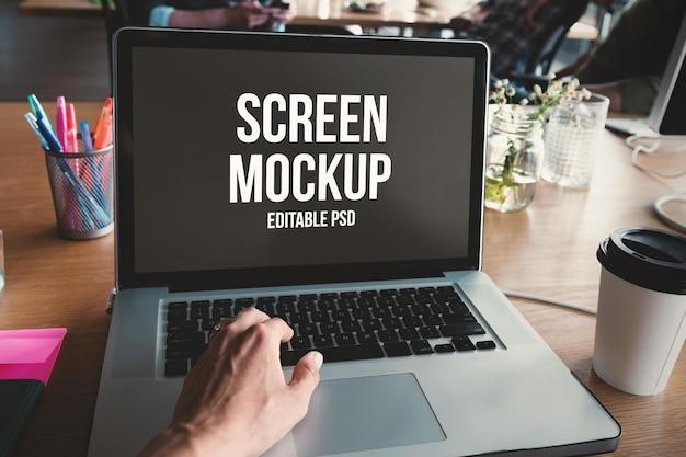 Laptop photoshop-mockup