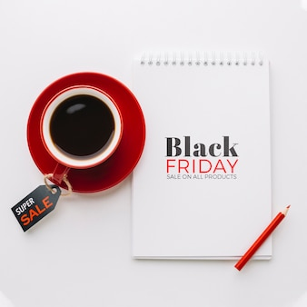 Lay flat del concepto de viernes negro sobre fondo liso