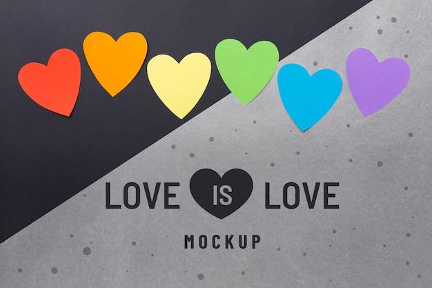 Lay flat de corazones de colores del arco iris por orgullo