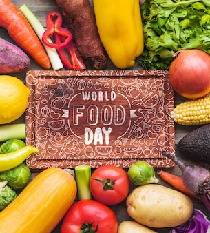 Lederen label mockup met gezond voedsel concept