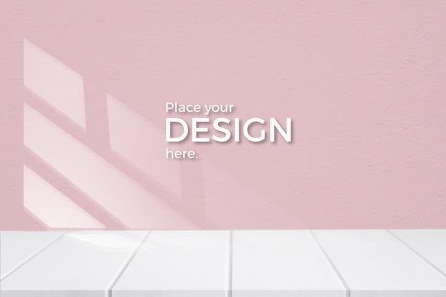 Lege ruimte met een roze muur