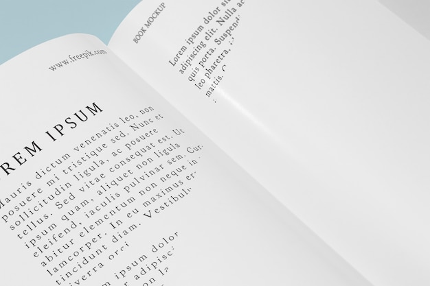 Libro abierto de maqueta de ángulo alto