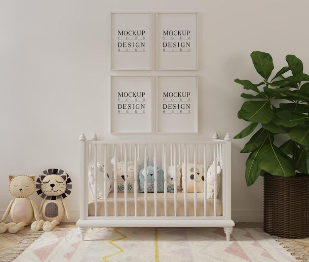 Linda habitación de guardería con marco de póster de maqueta de juguetes