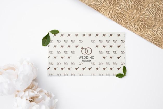 Linda tarjeta de invitación de boda
