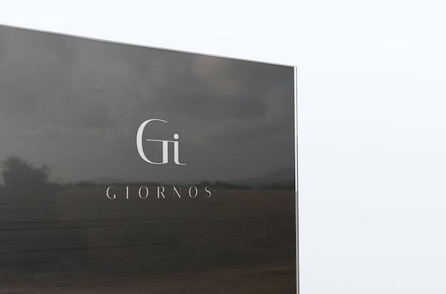 Logo aziendale di lusso mockup su vetro