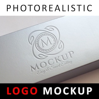 Logo mock up - logo inciso sulla scatola