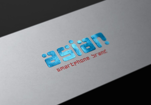 Logo mockup close-up op witte productdoos