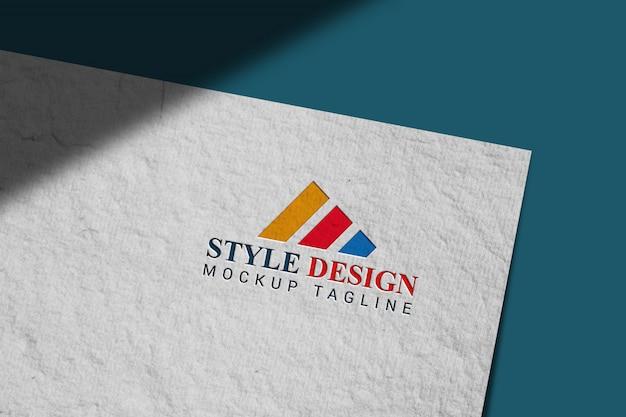 Logo mockup in handgeschept papier