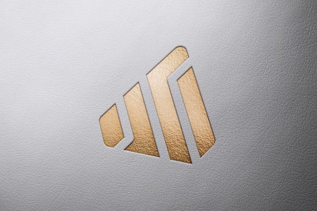 Logo mockup in pelle