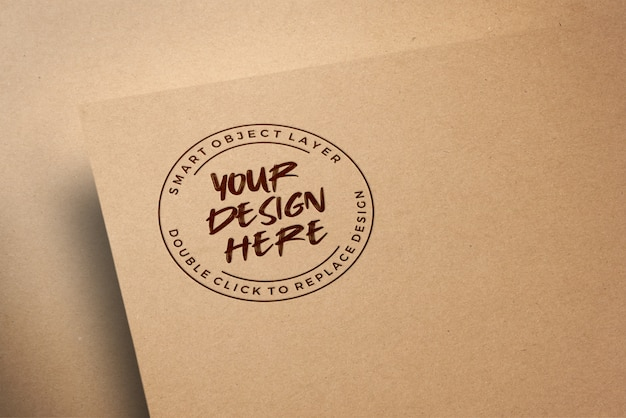 Logo mockup op ambachtelijk papier