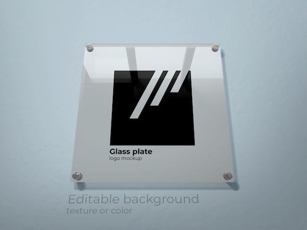 Logo mockup op een glazen plaat