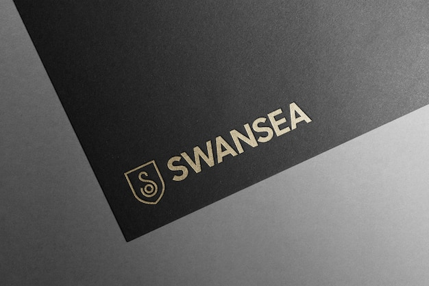 Logo mockup zwart papier goud