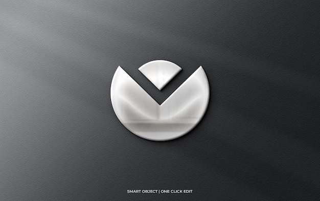 Logomodel op muur met 3d-reflectie