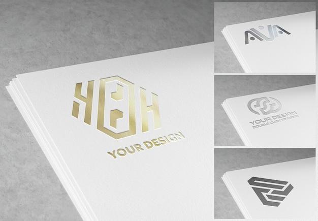 Logotipo grabado en maqueta de pila de papel