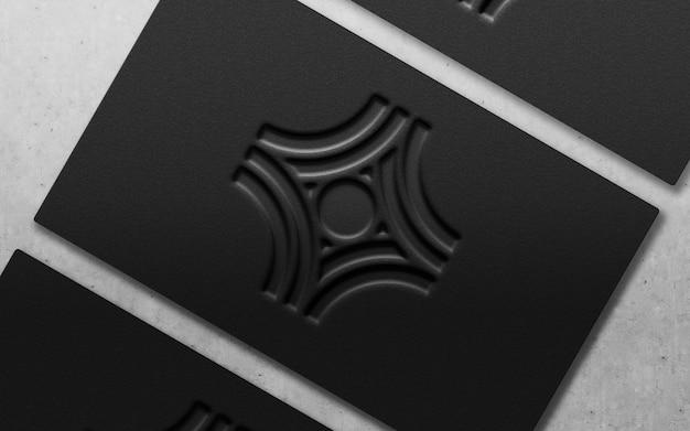 Logotipo de lujo moderno 3d en una tarjeta