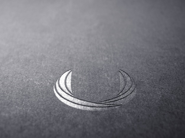 Logotipo maqueta papel plata perspectiva