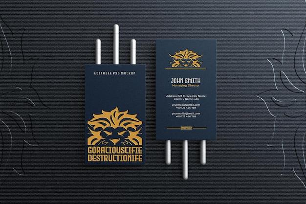 Luxe en elegant verticaal visitekaartje mockup bovenaanzicht