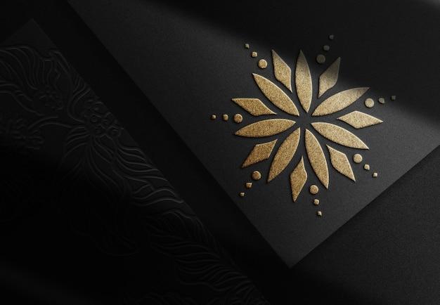 Luxe gouden bloem reliëfpapier mockup