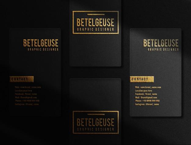 Luxe gouden reliëf visitekaartje logo mockup bovenaanzicht