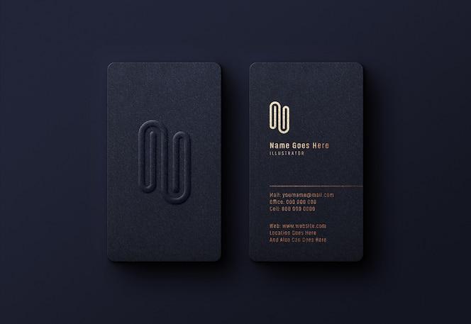 Luxe logo mockup op donkere visitekaartje