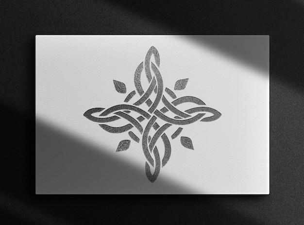 Luxe mockup met zwarte reliëfdoos