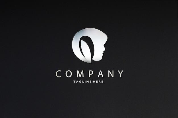 Luxe schoonheid chromen bord logo mockup