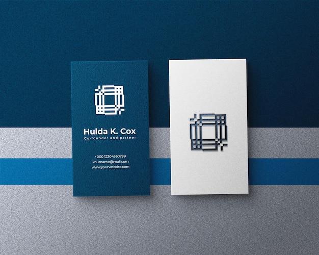 Luxe visitekaartjemodel met zilverkleurig metaalfolie-effect