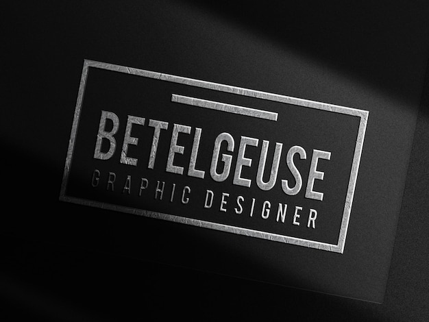 Luxe zilveren embossed logo mockup zwarte kaart