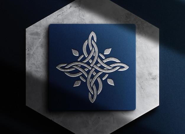 Luxe zilveren reliëf blauwe doos mockup