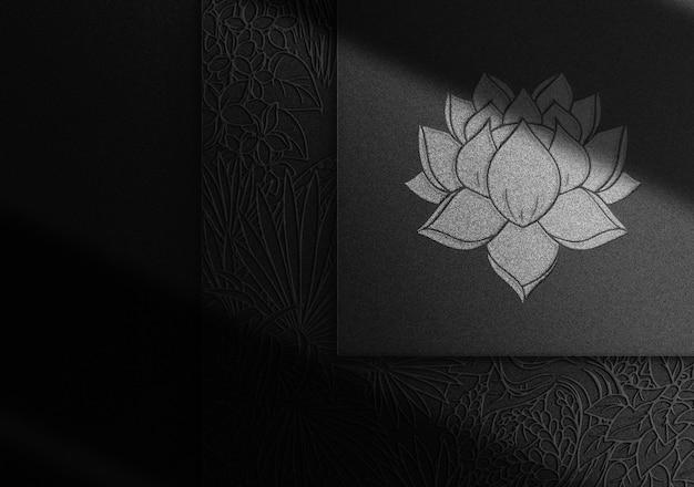 Luxe zilveren reliëf logo mockup