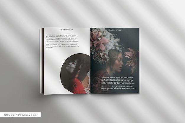 Magazine brief mockup bovenaanzicht met overlay