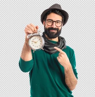 Man met vintage klok