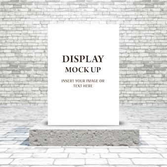 Maqueta 3d con imagen en blanco en el podio en una sala de ladrillo