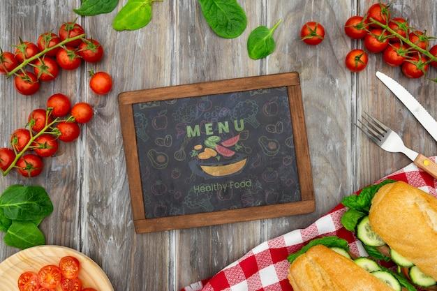 Maqueta de alimentos saludables