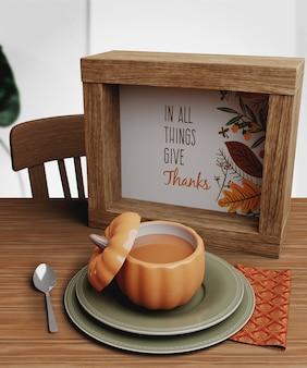 Maqueta con arreglos para el día de acción de gracias