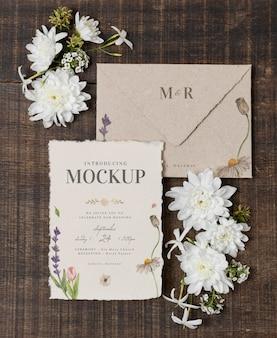 Maqueta de bodegón de boda con diseño de invitación.