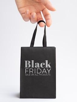 Maqueta de bolsa de concepto de viernes negro