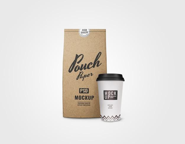Maqueta de bolsa y taza realista