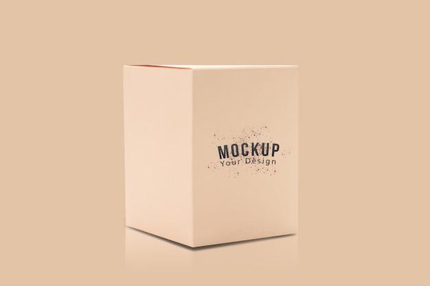 Maqueta de caja de embalaje de producto naranja en blanco para su diseño