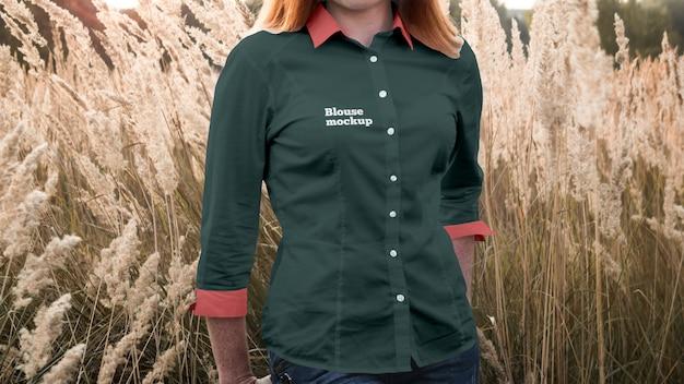 Maqueta de camiseta de blusa de mujer